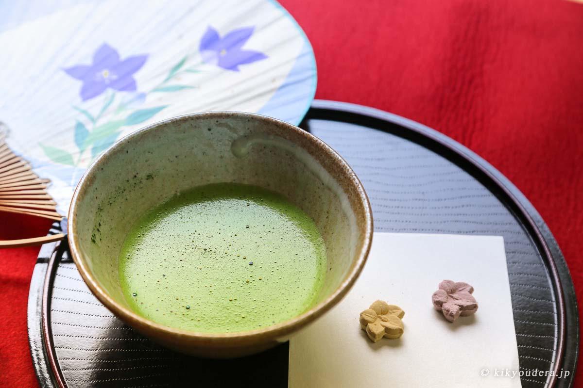 抹茶(茶室にて)